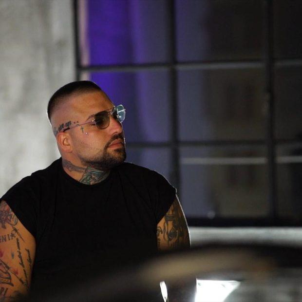 Salerno, Niko Pandetta al concerto fa una dedica ai carcerati: questore chiude il bar