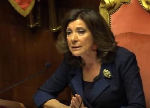 Manovra, primo sì al Senato: scontro su cannabis light