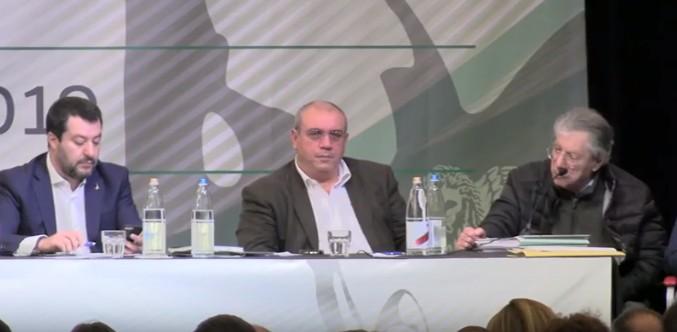 Bossi rispolvera i toni anti sud, a Castellammare si dimette coordinatore leghista