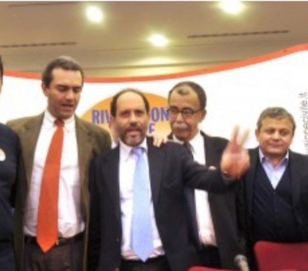 Napoli: De Magistris lancia Ruotolo, attacca e tenta di dividere il M5s