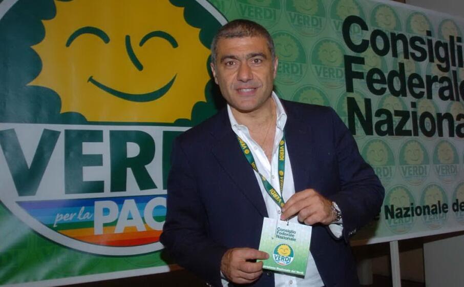 Campania, elezioni regionali: il 'partito trasversale' vuole scalzare De Luca