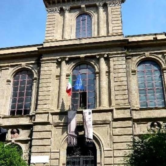 Napoli, inchiesta molestie: si dimette dall'Accademia il prof indagato