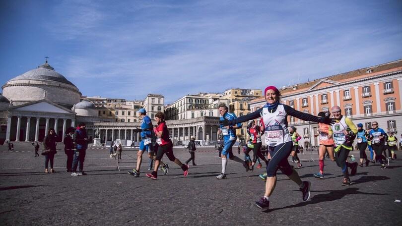 Napoli, Coronavirus: de Magistris non rinvia la maratona
