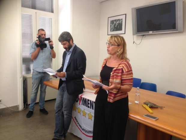 Napoli, l'assessora Menna ignora le donne licenziate per dedicarsi alle elezioni suppletive