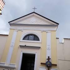 """Villa Literno, i fedeli insorgono su Facebook: """"Il parroco non lo vogliamo"""". Nomina sospesa"""