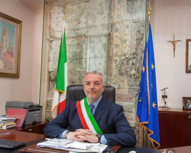 Somma Vesuviana, lo staff del sindaco costa 100 mila euro all'anno