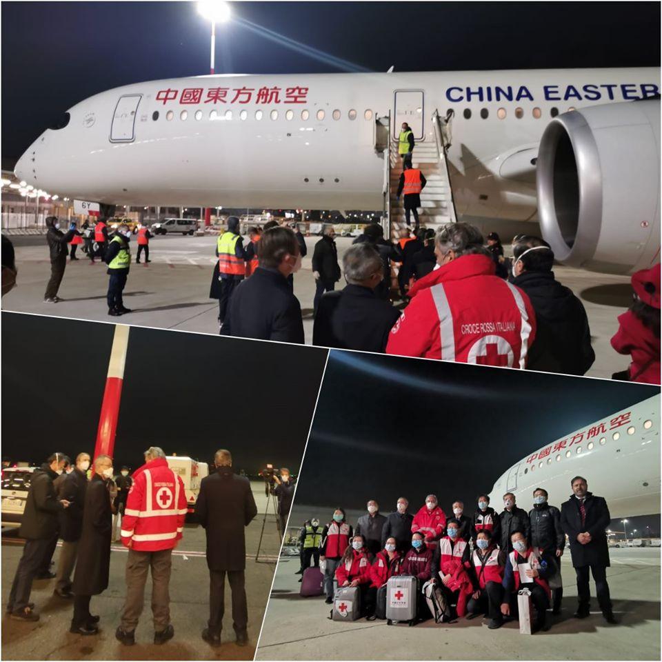 Coronavirus, atterrato un Airbus cinese con a bordo aiuti e una brigata di medici
