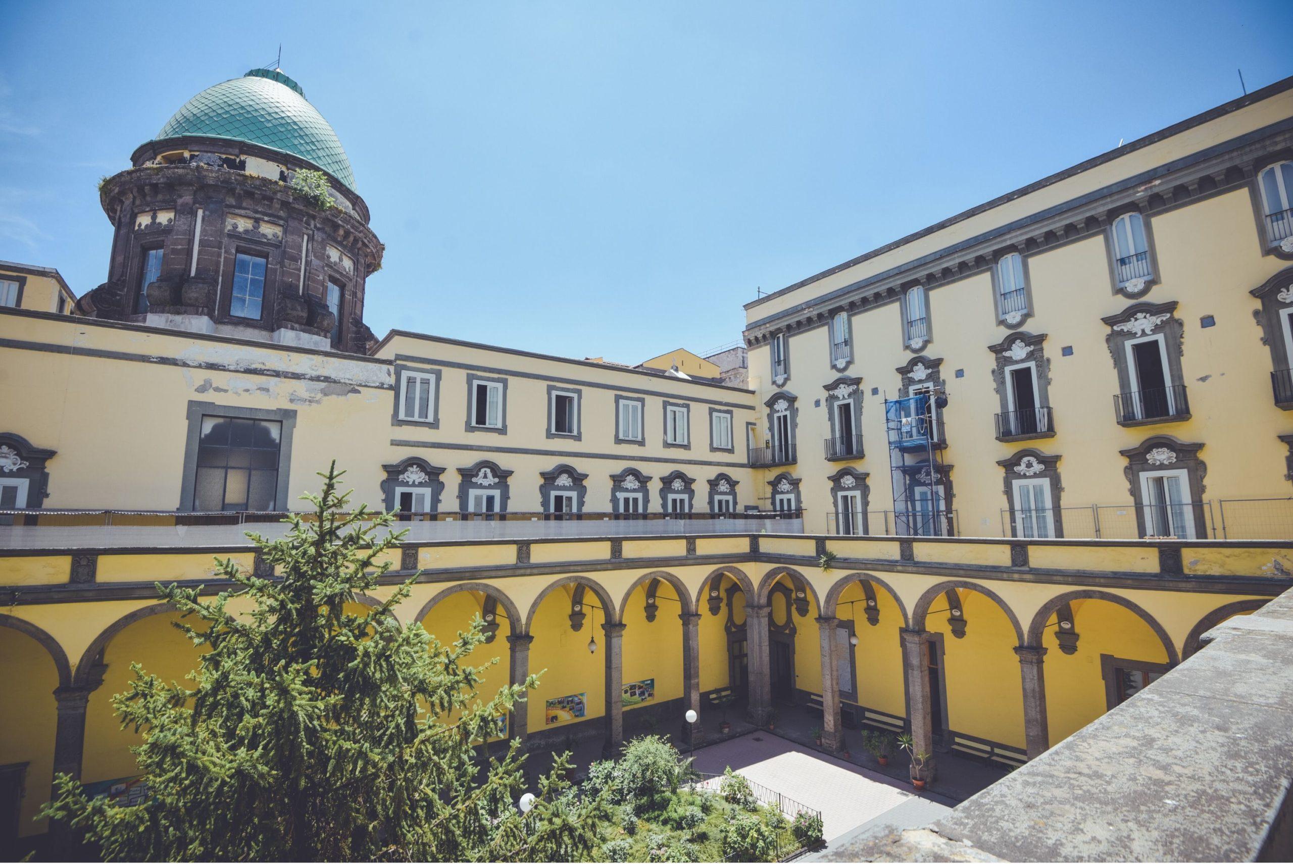 Napoli, crolla parte della cupola della chiesa Monteverginella