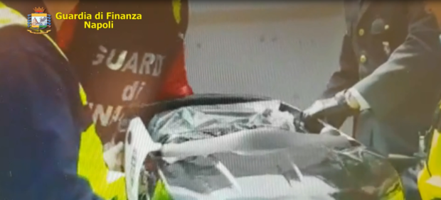 Napoli, sequestrate 386 auto elettriche per bimbi contraffatte