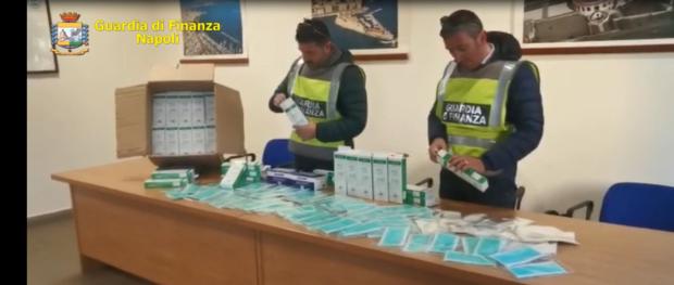 Napoli, Giugliano: Guardia di finanza sequestra 10 mila mascherine