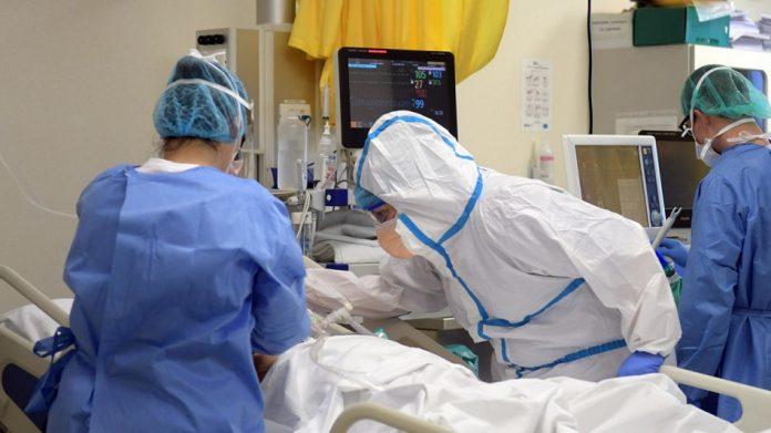 """Covid, denuncia del sindacato: """"Aumentano i contagi tra gli infermieri vaccinati"""""""