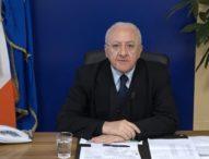 """Coronavirus, De Luca mette """"ai domiciliari"""" tutta la Campania"""