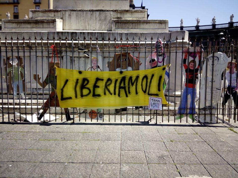 "Napoli, comitato mamme: ""liberiamo i bambini"""