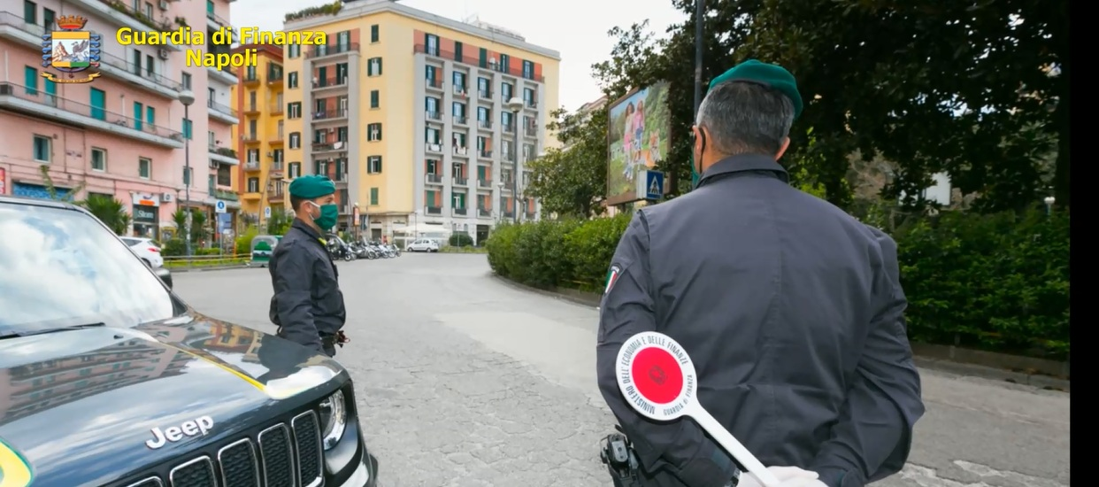 Coronavirus, Guardia di Finanza: 338 violazioni, 7  penali e 1 arresto tra Napoli e provincia