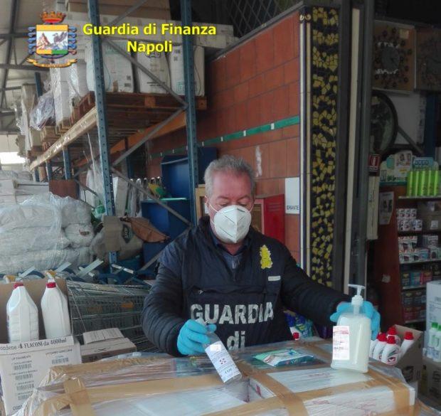 Cosmetici spacciati per prodotti anti-covid nella provincia di Napoli