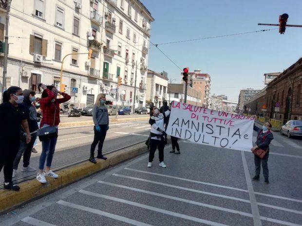 Napoli, la lotta dei detenuti per il diritto alla salute