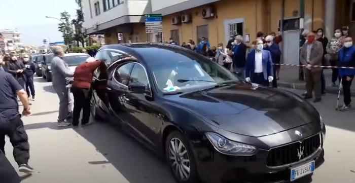 Funerale proibito, De Luca ordina zona rossa a Saviano