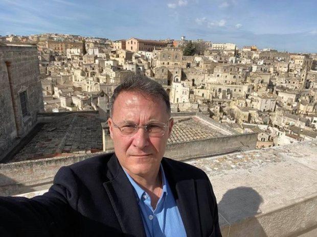 """Coronavirus, il deputato Cirielli annuncia: """"Sono tornato positivo"""""""