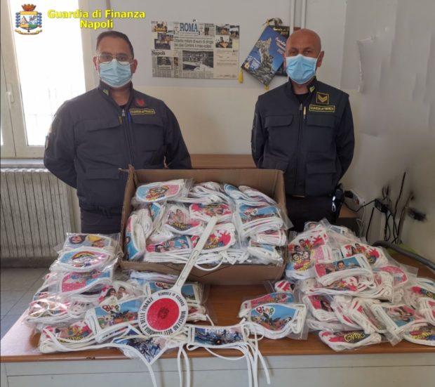 Coronavirus, Napoli: Guardia di finanza sequestra 900 mascherine per bimbi contraffatte