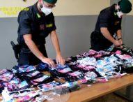Napoli, sequestrate 2600 mascherine per bambini e 60 mila articoli contraffatti