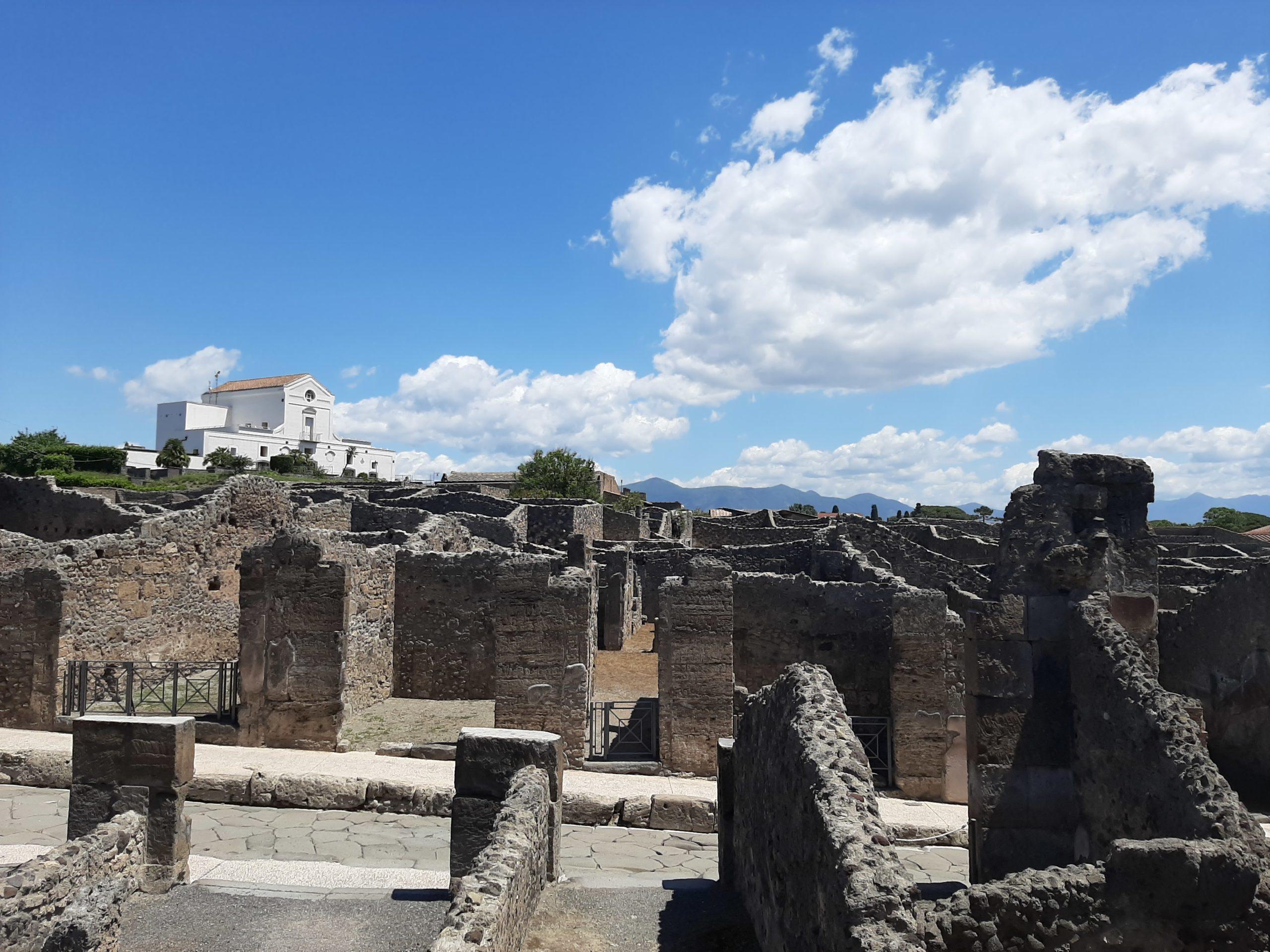 Pompei, nuovo video di Geronimo Stilton sul lavoro degli archeologi e dei restauratori
