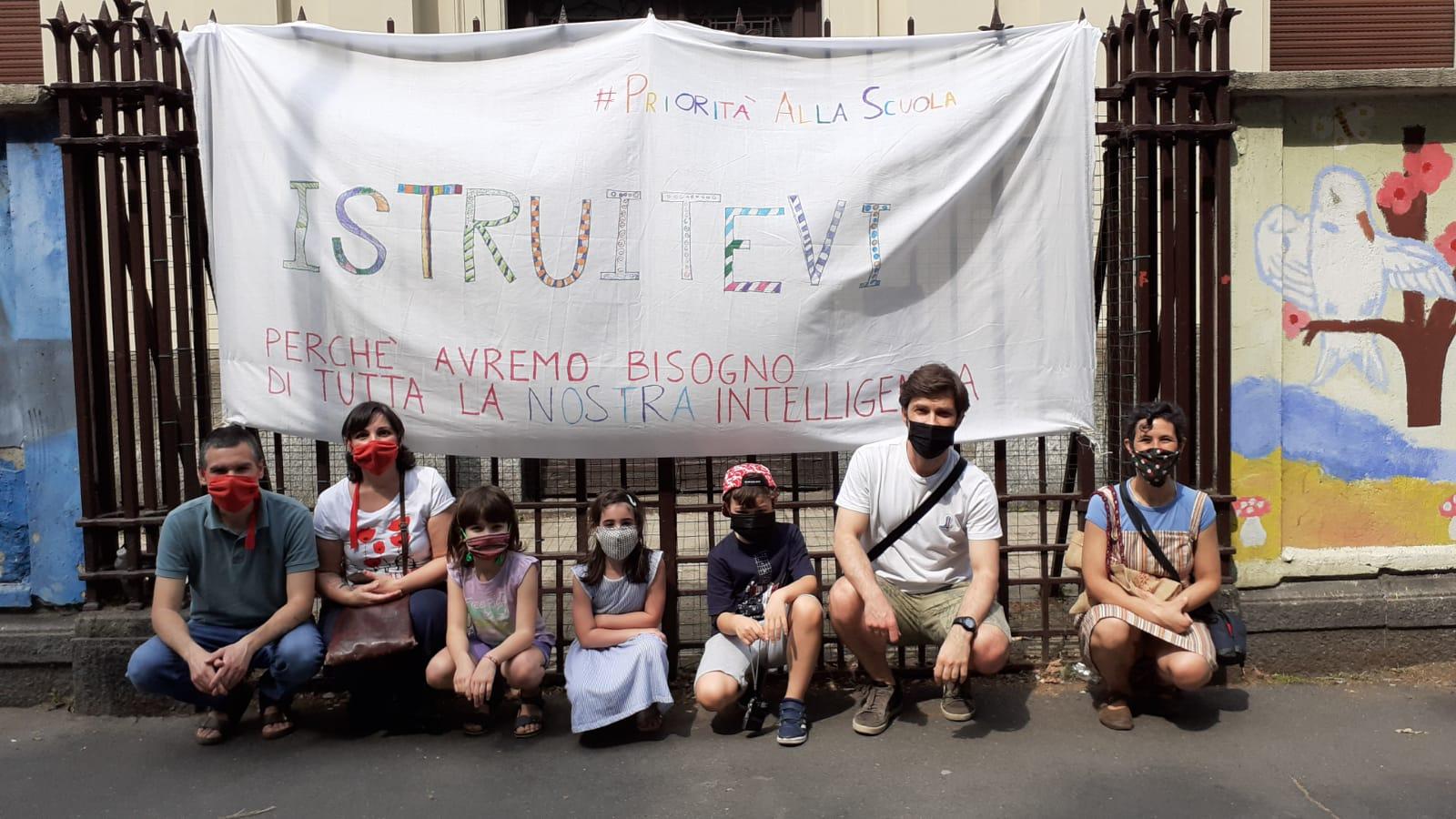 """Scuola, l'infettivologo Matteo Bassetti: """"ecco perchè si può tornare a scuola senza paura"""""""
