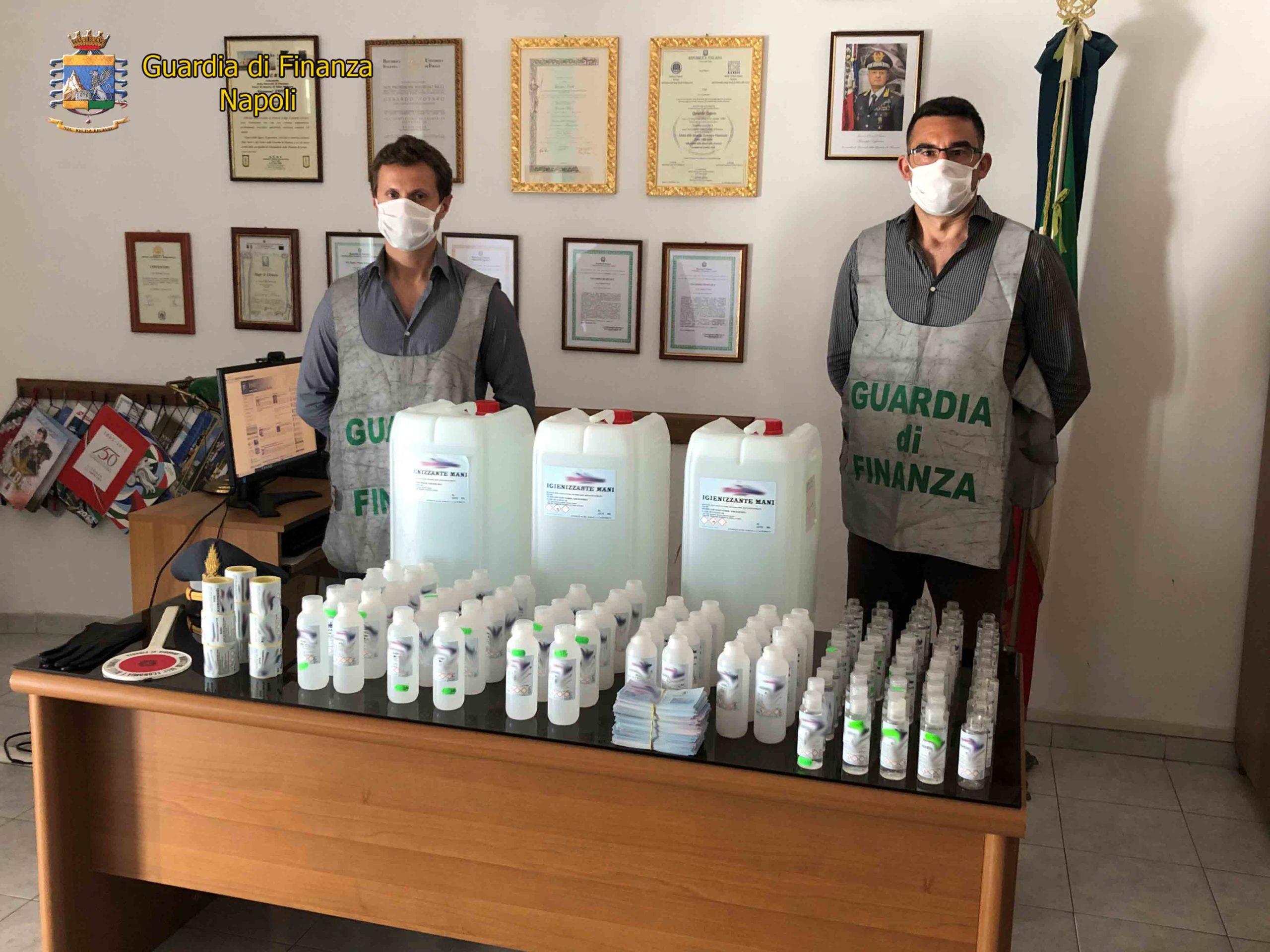Napoli Caserta, sequestri di mascherine e gel igienizzanti