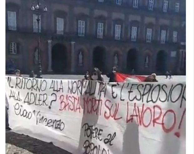 """Napoli, presidio di lotta davanti alla Prefettura: """"basta morti sul lavoro"""""""