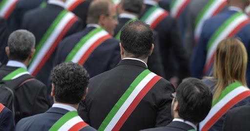 """I sindaci italiani lanciano allarme: """"Non abbiamo risorse, a rischio servizi essenziali"""""""