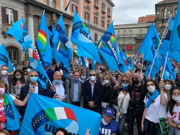 Napoli, 400 insegnanti in piazza contro il decreto Azzolina