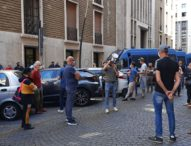 """Napoli,vertenza lavoro: ancora in piazza i disoccupati del 'Movimento 7 Novembre"""""""