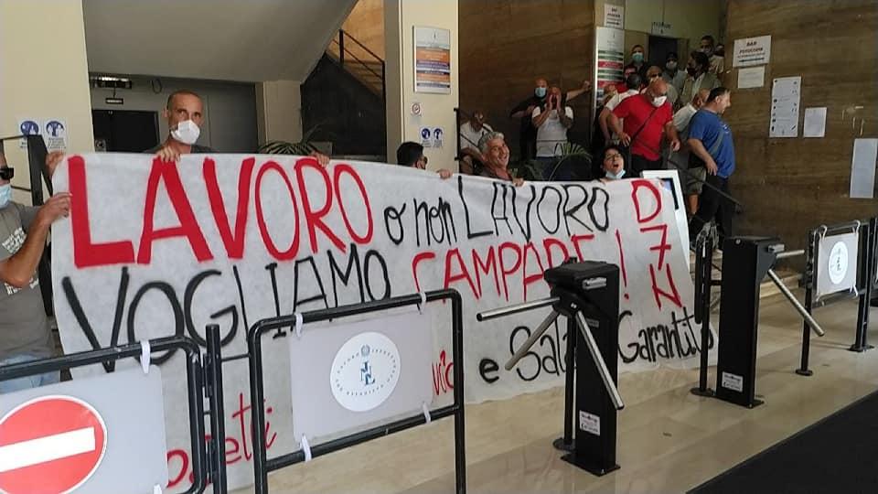 Napoli, usano lo stato d'emergenza anti-Covid per criminalizzare le lotte dei disoccupati