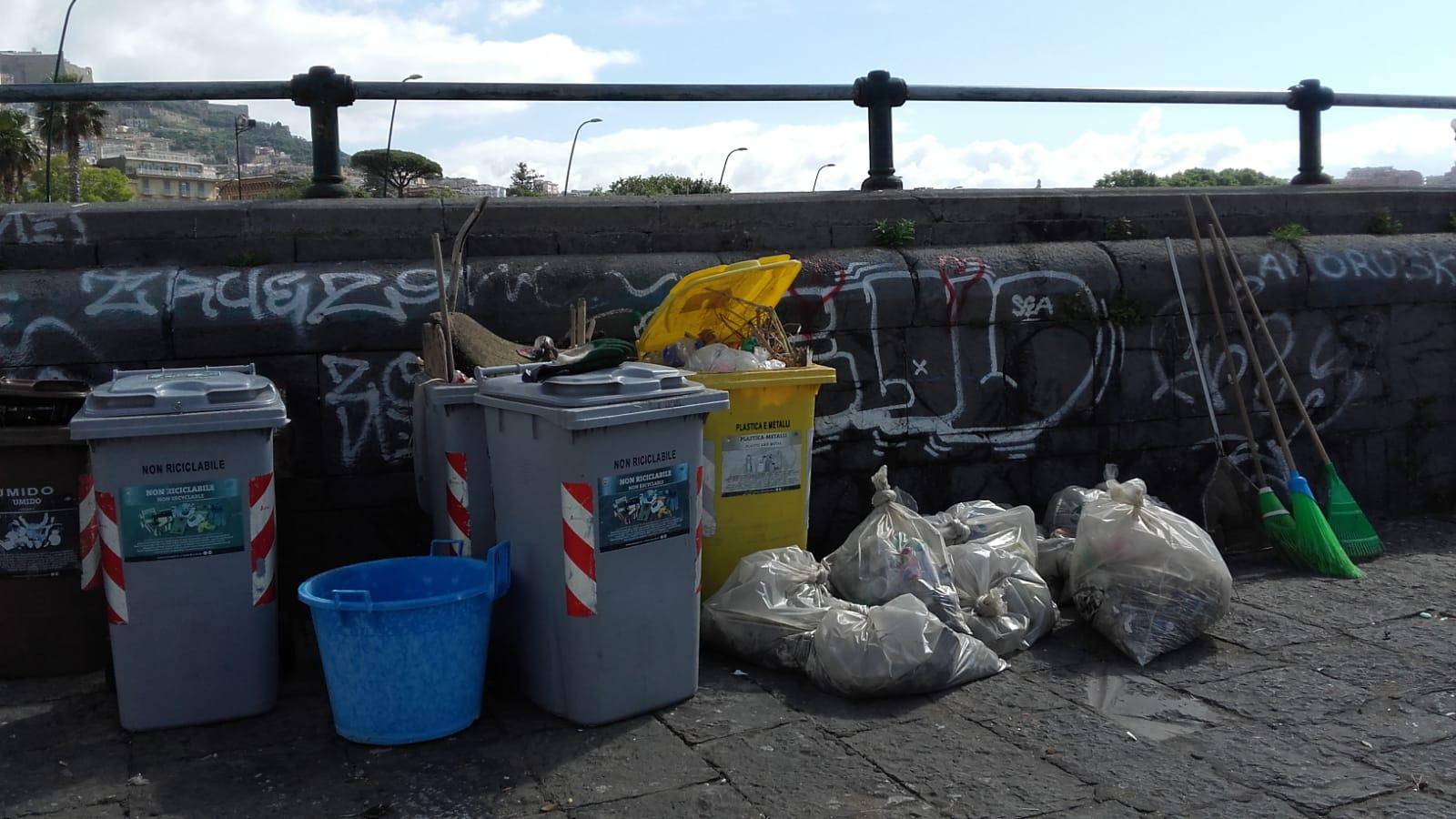 Napoli, libero accesso alle spiagge comunali