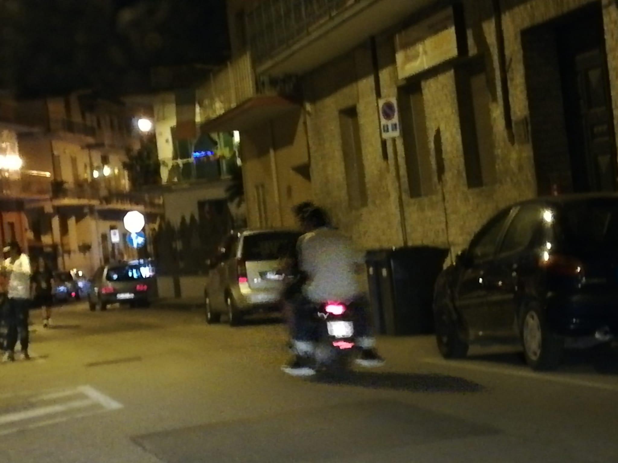 Movida selvaggia a Frattamaggiore, cittadini in piazza