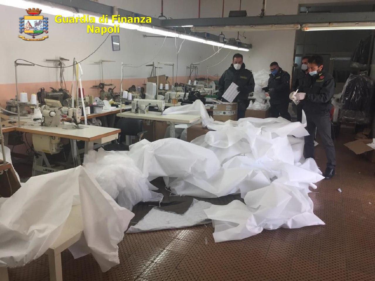 Succivo, Caserta: finanzieri sequestrano fabbrica e 4 mila mascherine per bambini