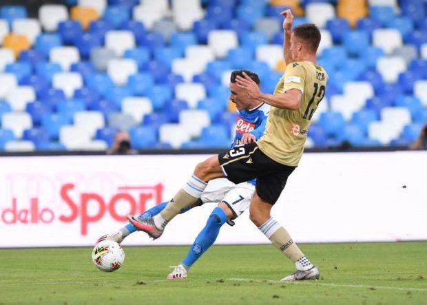 Tris Napoli alla Spal, non si molla il sogno Champions