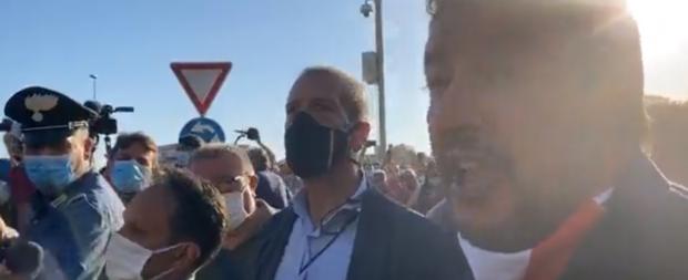 Salvini cacciato da Mondragone