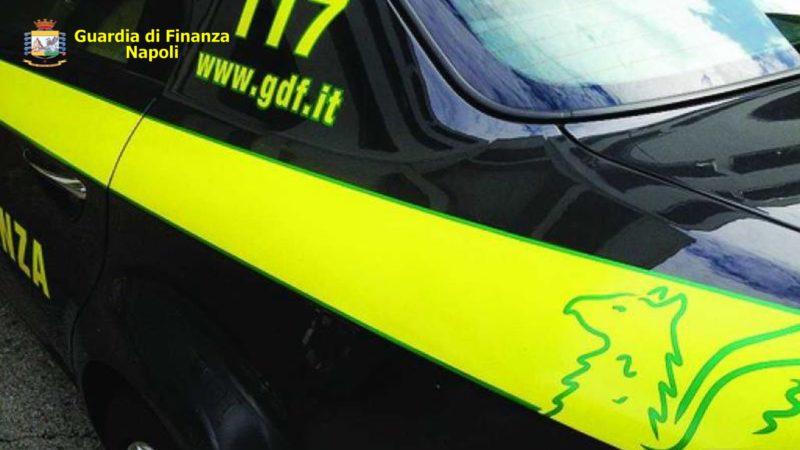 Salerno, blitz della fiamme gialle: stanati i truffatori dei contributi Covid. Sequestrati 500 mila euro
