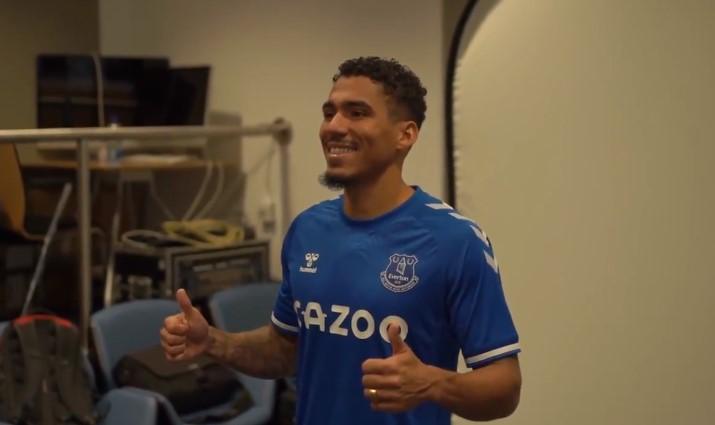 Napoli, ufficiale cessione di Allan all'Everton