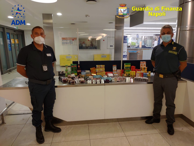 Napoli, Guardia di Finanza sequestra oltre mille confezioni medicinali pericolosi