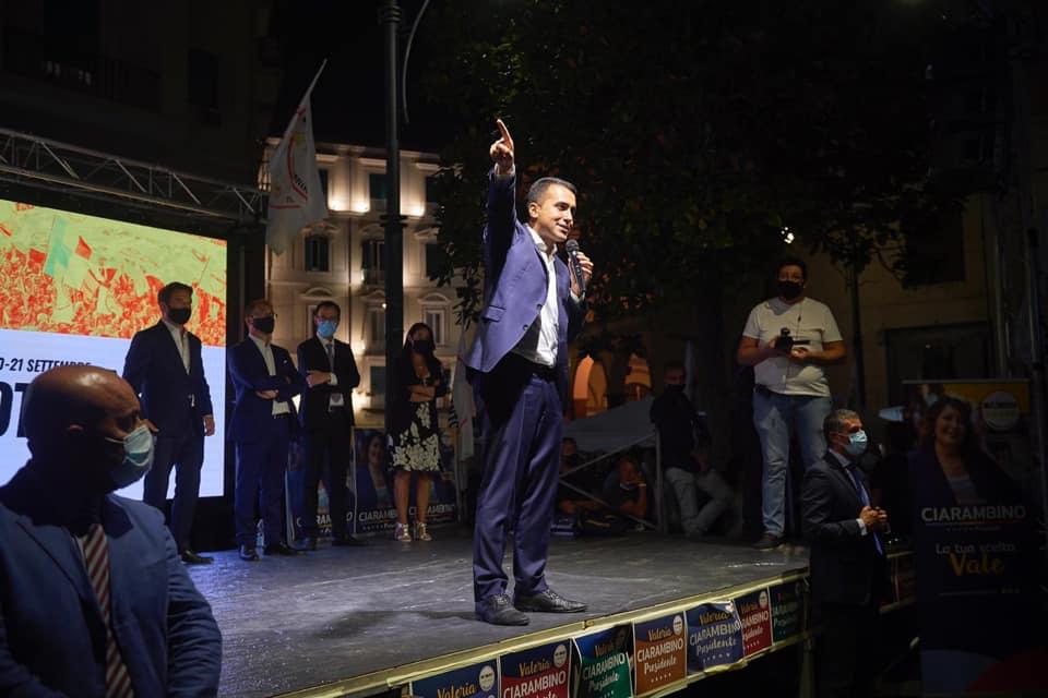 """Referendum, appello di Di Maio per il Sì: """"Risparmio da 300.000 euro al giorno"""""""
