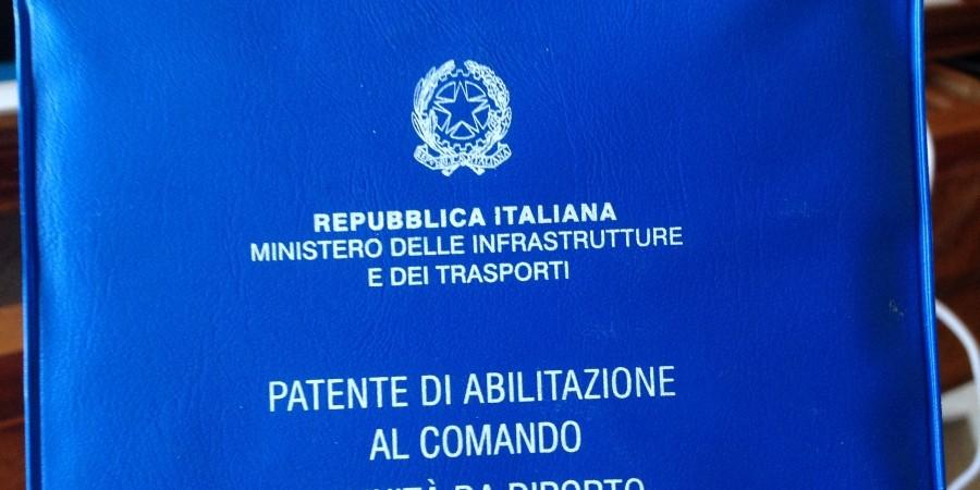 Napoli, inchiesta patenti nautiche senza esami: 31 persone indagate. Coinvolti tre calciatori del Napoli
