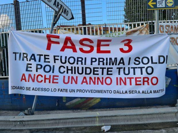 Covid, M5s vuole inserire  Napoli e Caserta in zona rossa