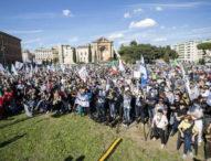 """Covid, 3 mila in piazza a Roma: """"Non siamo negazionisti ma per la fine del neoliberismo"""""""