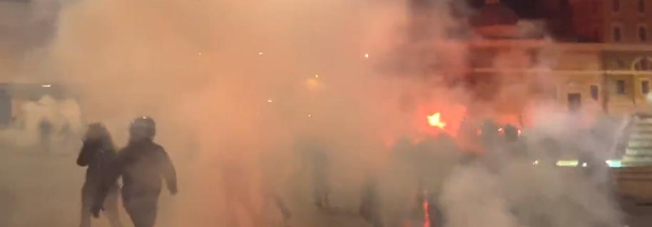 Covid, Roma: scontri e proteste contro il coprifuoco