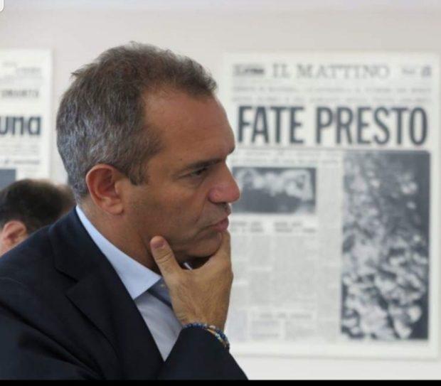 """De Magistris scrive a Conte: """"Riapriamo le scuole in Campania"""""""