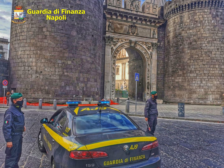 Covid, Napoli: 36 persone sanzionate perchè non indossavano mascherina