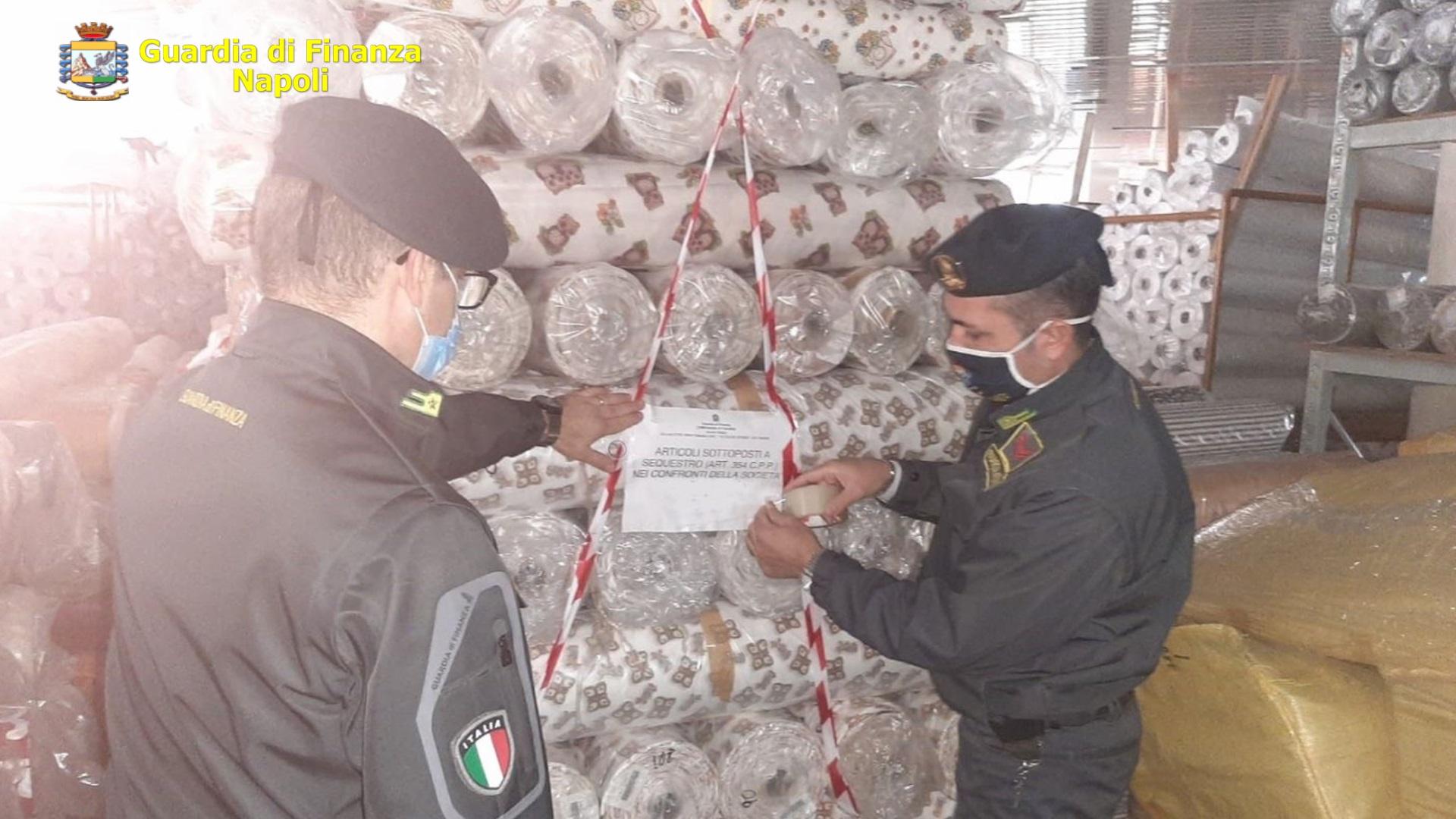 Napoli, Guardia di Finanza sequestra 6600 articoli con marchio Thun contraffatto