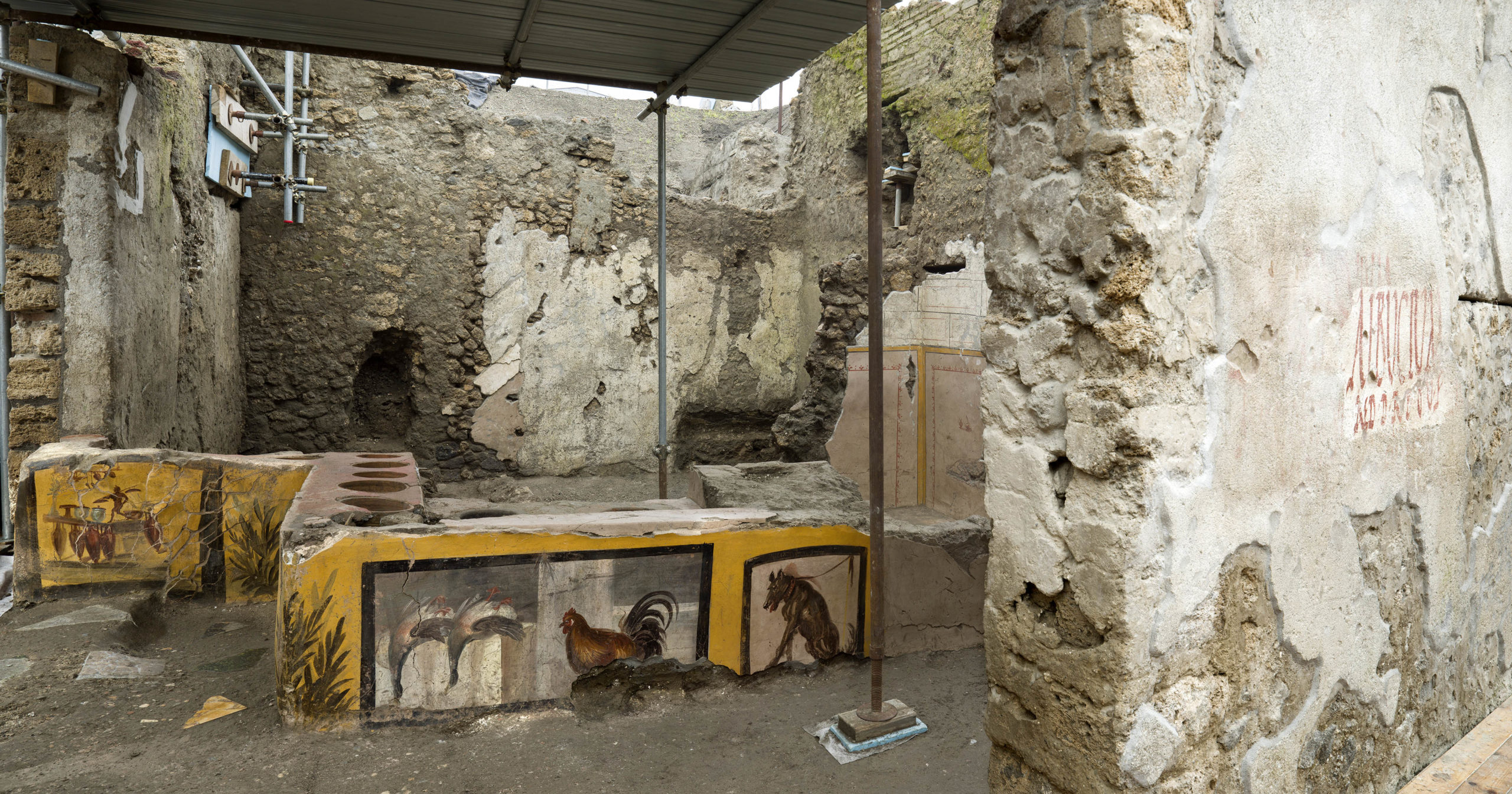 Pompei, riaffiora un Termopolio