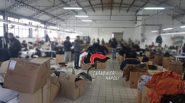 Casandrino, blitz carabinieri fabbrica tessile: 8 lavoratori  in nero. Sospese le attività